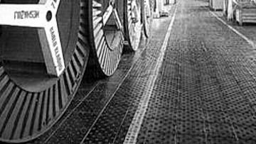 Футеровка полов производственных помещений камнелитой плиткой