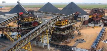 Ленточные конвейера на угольном карьере